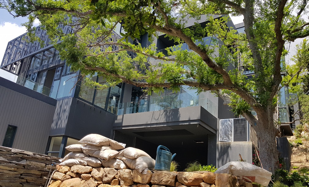 Bridle Road, Oranjezicht 2861 - Prodigious Portfolio